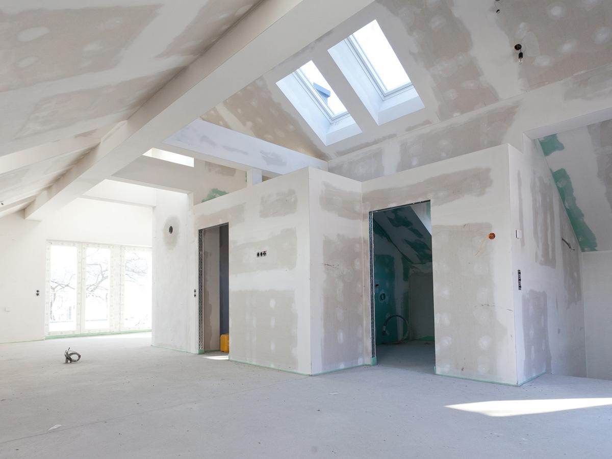 Kayed & Söhne GmbH Malermeisterbetrieb - Trockenbau - Zwischenwände im Dachstuhl